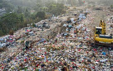 Cyclpac vs The Plastic Goliaths